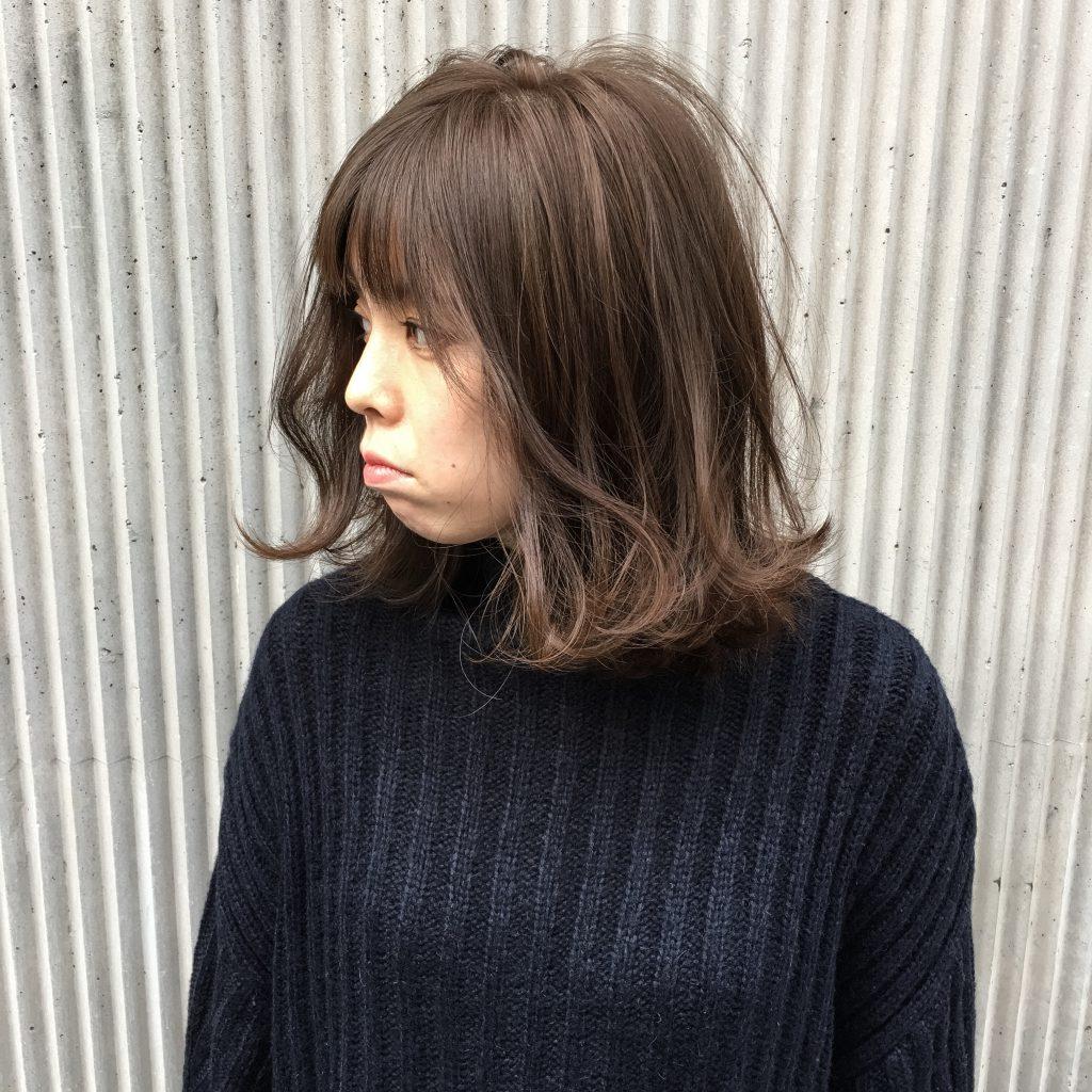 ギリギリレングスのラフ髪ロブ