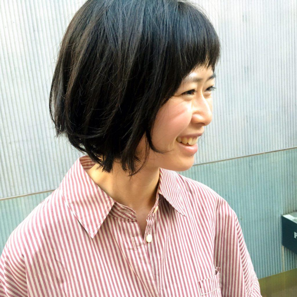ナチュラルシンプルなショートヘア