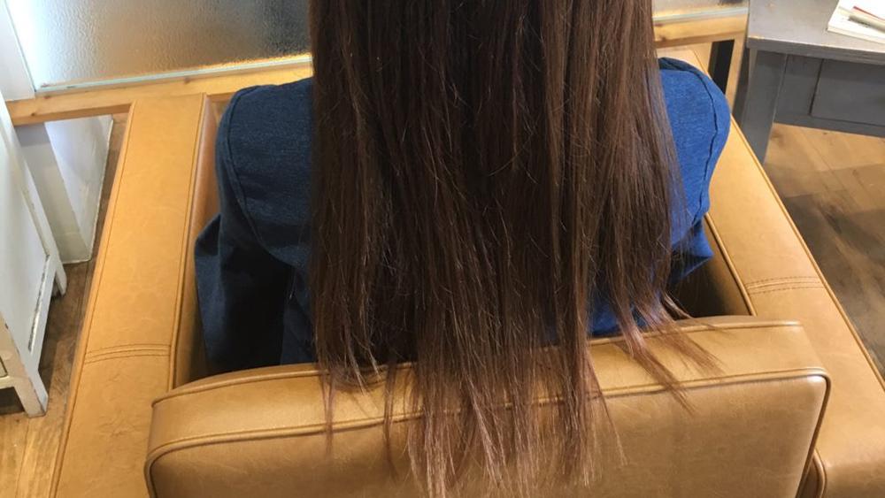 カットで梳かれすぎている毛先