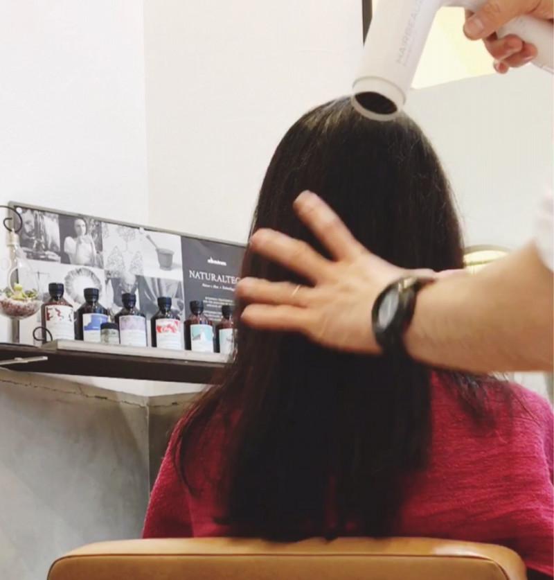 美髪 ダメージ修復 傷んだ髪 チリチリ髪 キレイな髪 ヘアケア ヘアケア製品 スタイリング剤