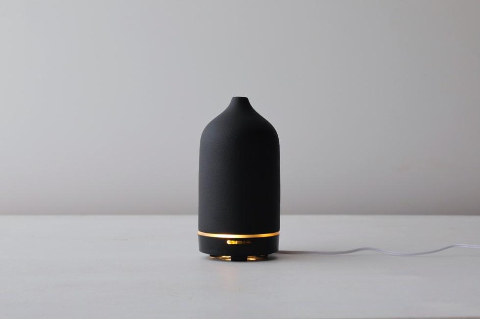 セラミック製アロマディフューザーLagoon(ラグーン) ミニマルなデザイン
